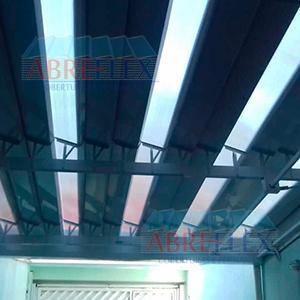 Cobertura mista em policarbonato e alumínio - 1